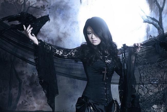 Black Gothic Corset Wedding Dress With Long Sleeve Lace Shirt
